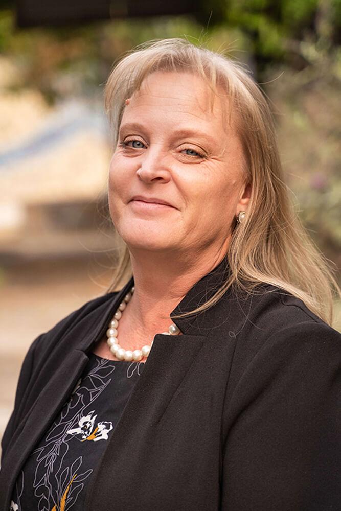 Personal Lines Employee Sybyl Swan Headshot
